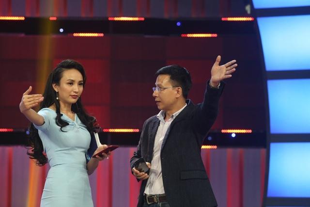 CEO Đàm Đức Anh trao đổi ý tưởng dẫn chương trình với MC Ngọc Diễm.