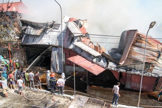 Theo thông tin ban đầu đám cháy không có thiệt hại về người.