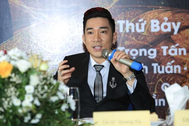 Tại buổi giới thiệu đêm nhạc diễn ra ngày 17/11 tới tại Hà Nội, Quang Hà chia sẻ, sau 20 năm đi hát anh vẫn đam mê ca hát, không cảm giác mệt mỏi.
