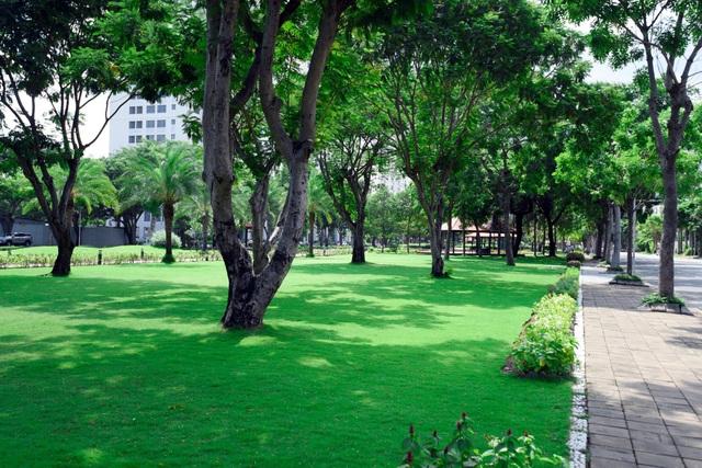 Cách vài trăm mét từ khu phức hợp Midtown là tổ hợp các công viên xanh rộng đến vài hecta