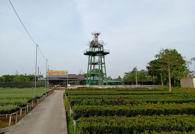 Đài ngắm hoa này hứa hẹn sẽ là địa điểm check in lí thú của giới trẻ khi đến Làng hoa Sa Đéc