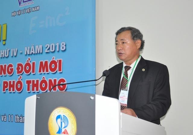 PGS.TS Lưu Trang – Hiệu trưởng Trường ĐH Sư phạm (ĐH Đà Nẵng) phát biểu khai mạc hội nghị
