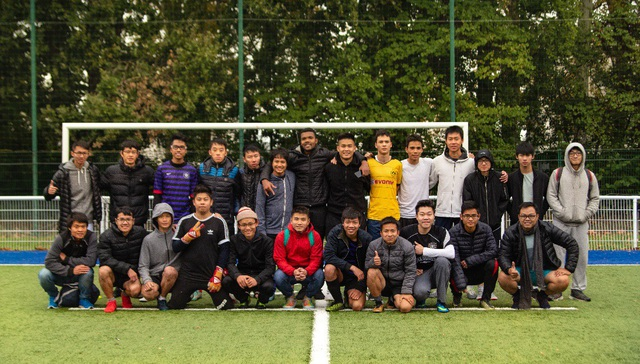 Đội bóng Toulouse và Bordeaux chụp ảnh lưu niệm