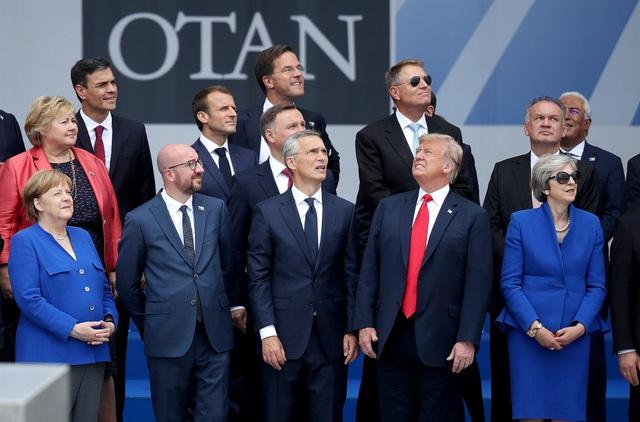 Tổng thống Trump chụp ảnh cùng các nhà lãnh đạo NATO tại hội nghị thượng đỉnh NATO ở Bỉ hồi tháng 7. (Ảnh: Getty)