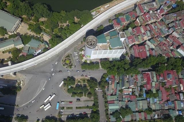 Mỗi mét dài tuyến đường Hoàng Cầu - Voi Phục có tổng chi phí là hơn 3,1 tỉ đồng.