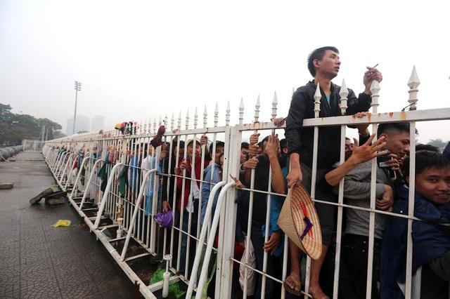 Sức hút từ trận Việt Nam-Malaysia khiến giá vé chợ đen sẽ tăng cao ngay trong buổi sáng nay