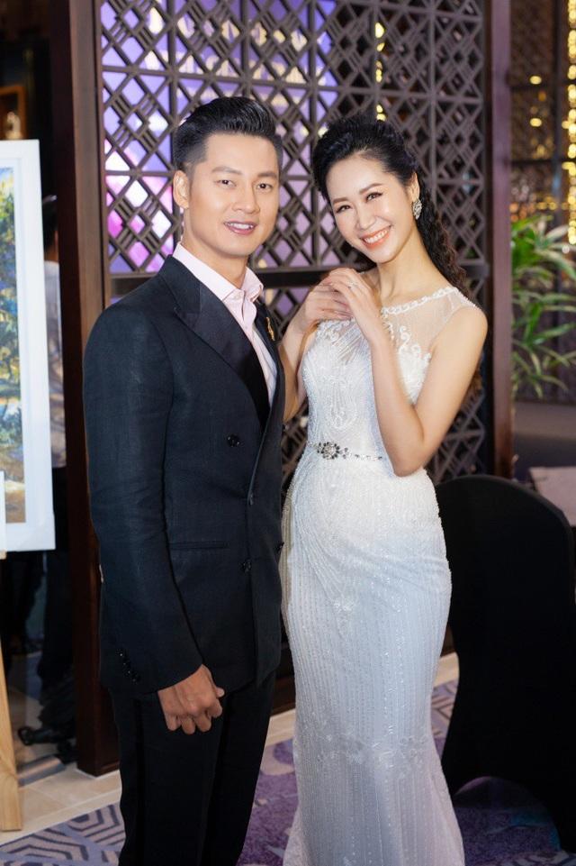 Ca sĩ Đức Tuấn cũng có mặt. Bảo Trâm Idol và Đức Tuấn đã thể hiện những ca khúc góp vui cho chương trình.