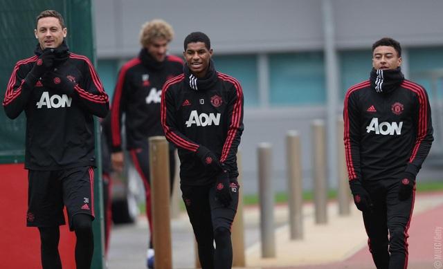 Matic, Rashford và Lingard ra sân tập của Manchester United chuẩn bị cho trận đại chiến với Manchester City