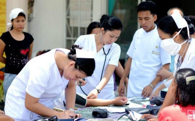 Vì sao Philippines nổi tiếng nhất thế giới với nghề xuất khẩu... y tá? - 1