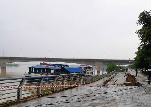 Dự án đầu tư xây dựng công trình xử lý khẩn cấp đê hữu sông Mã đã bị xuống cấp nghiêm trọng.