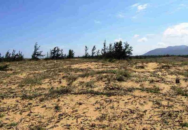 Dân lo dự án choán hết đất sinh sống của dân.