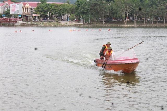 Huy động hàng trăm người nỗ lực tìm kiếm nạn nhân mất tích tại hồ nước - 3