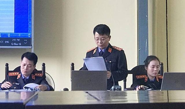 Đại diện VKSND đọc cáo trạng
