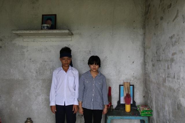 Hoàn cảnh khó khăn, Vượng tính nghỉ học để đi làm, nuôi chị bị bệnh và trả nợ ngân hàng