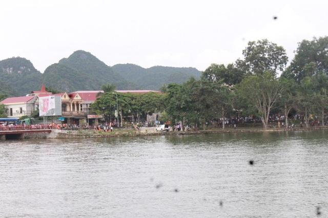 Hồ Thung Mây tại trung tâm thị trấn Qùy Hợp, huyện Qùy Hợp, Nghệ An nơi người đàn ông mất tích.
