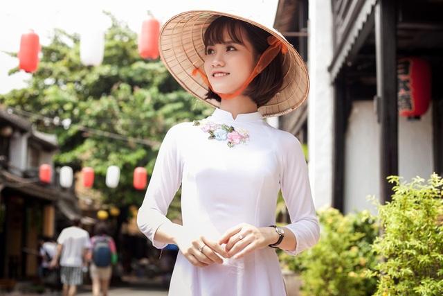 Cô giành giải Nhất Imiss Thăng Long 2018 ở hạng mục Ca hát.