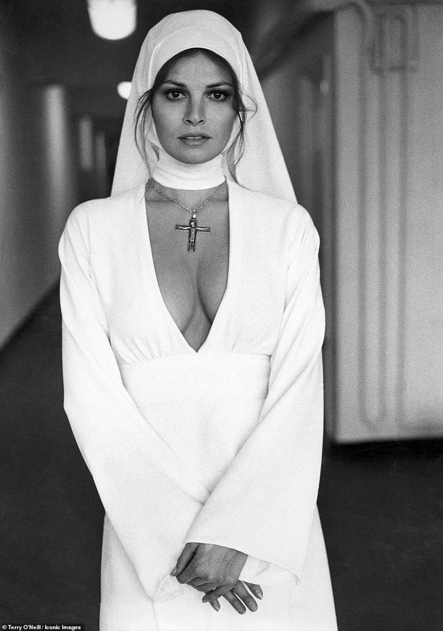 Nữ diễn viên Raquel Welch trong một bức ảnh chụp năm 1969.