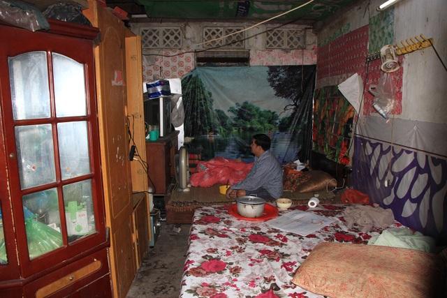 Một căn phòng ở tầng 1 của nhà khách Tỉnh ủy Lai Châu đang được 1 người dân thuê lại.