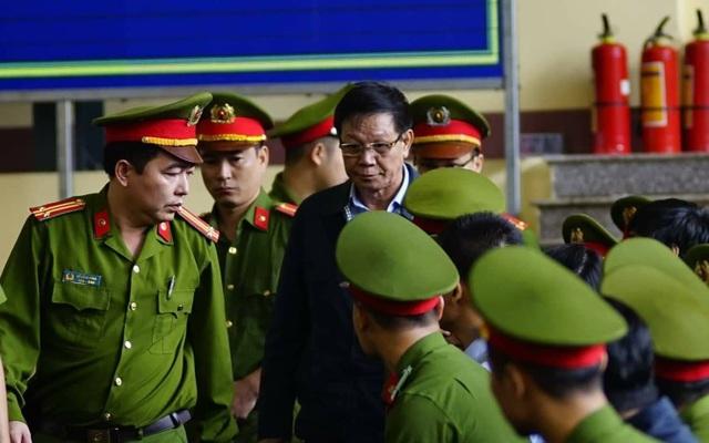 2 cựu tướng bị cáo buộc bảo kê cho 2 ông trùm thu hàng nghìn tỷ - 4