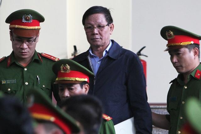 Bị cáo Phan Văn Vĩnh tại tòa.
