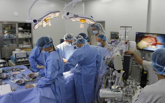 Một ca phẫu thuật tái tạo van động mạch chủ tại Trung tâm tim mạch bệnh viện E