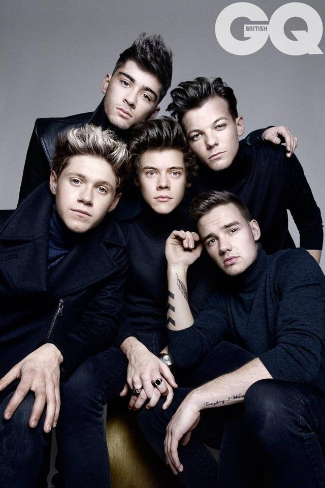 Nam ca sĩ Zayn Malik (trên cùng) thuở còn gắn bó với One Direction