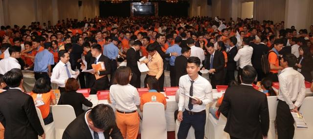 Hơn 1.000 khách hàng tham dự lễ giới thiệu dự án Golden Center City 3 của Kim Oanh Group tại thành phố Biên Hòa.