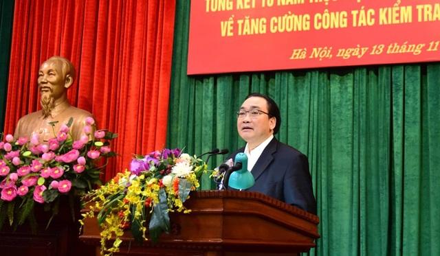 Ông Hoàng Trung Hải - Bí thư Thành ủy Hà Nội phát biểu kết luận hội nghị