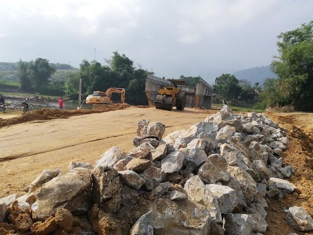 Cam kết công trình đường dẫn lên cầu xóm Cháo sẽ được thi công xong trước ngày 31/12/2018.