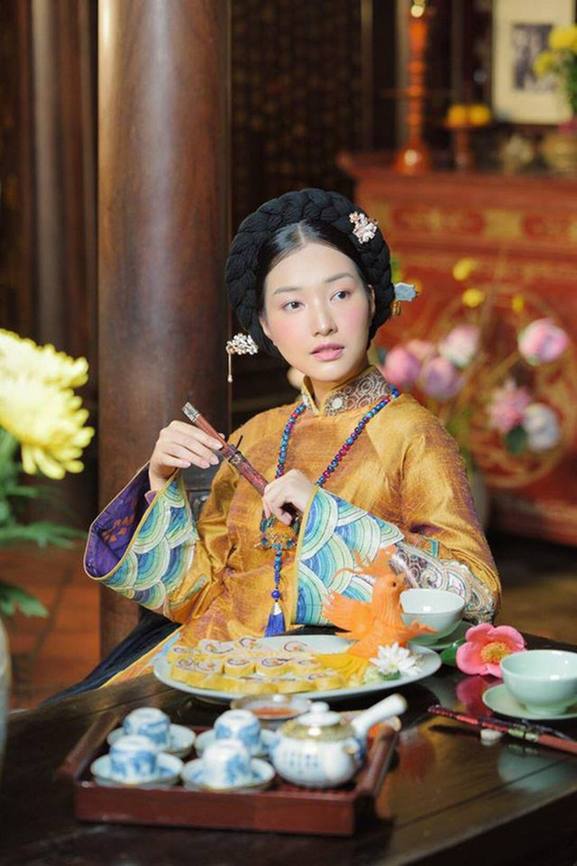 Nàng thơ xứ Huế còn là cầu nối văn hoá, giúp lan toả và giới thiệu văn hoá Hàn Quốc và văn hoá Huế cùng đồng hành. Cách đây vài tháng, khi Nàng thơ xứ Huế bắt đầu phát sóng cũng đã gây nên một cuộc tranh cãi trong cộng đồng mạng với nhiều câu hỏi tập trung vào các chi tiết xung quanh hình tượng nàng thơ khi phát hiện ra có nhiều nét y hệt như một người phụ nữ Hàn Quốc xưa. Một số người xem khác còn chỉ ra kiểu tóc búi vòng và búi thấp, gài cắm bằng trâm khá giống với hình ảnh trong các bộ phim cổ trang xứ kim chi, nhất là phim Nàng Dae Jang Geum.