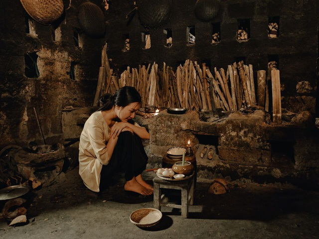 Các món ăn từ chay đến mặn, từ dân dã đến cung đình đều được tái hiện qua chính đôi bàn tay nhỏ bé của Nàng thơ xứ Huế.