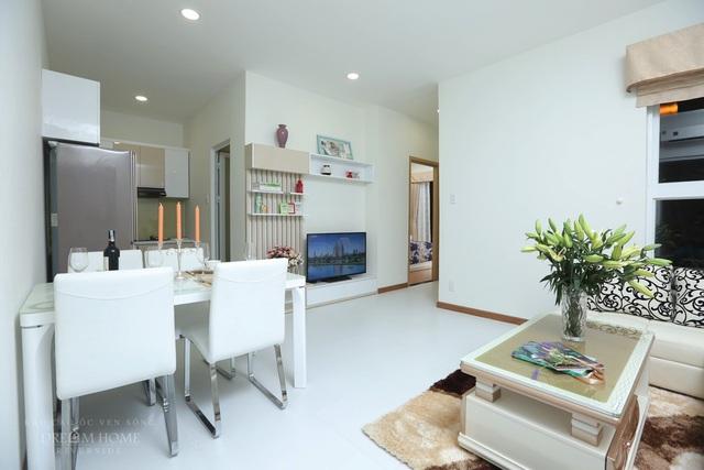 Căn hộ 62m2 được thiết kế tinh tế với 2 phòng ngủ 2 WC phù hợp với các gia đình trẻ