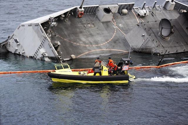 Tàu KNM Helge Instad có chiều dài khoảng 134m, được đóng tại Tây Ban Nha năm 2009. Đây là một trong 5 tàu hộ vệ hiện đại nhất của Na Uy và có giá gần 400 triệu USD.