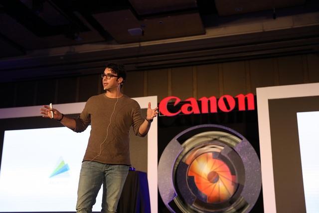 Nhiếp ảnh gia Roberto Valenzuela chia sẻ về những tính năng thú vị trên dòng sản phẩm không gương lật Canon EOS R.
