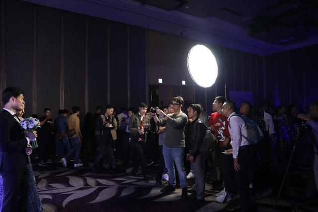 Canon giới thiệu các tính năng và tổ chức buổi trải nghiệm dành cho dòng sản phẩm camera không gương lật mới ra mắt.