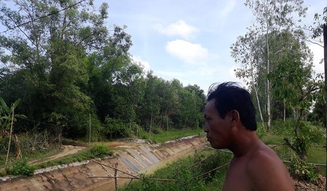14 trang trại chăn nuôi heo, bò tập trung ở xã Nhơn Tân đang khiến người dân vô cùng lo lắng vì hàng ngày hít mùi hôi, tanh phát tán từ hoạt động chăn nuôi từ các trang trại.