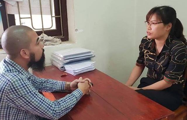 Làm việc với PV Dân trí, chị Nghiêm Thị Mai, mẹ của cháu Ngô Đình Khôi, một trong hai nạn nhân vụ đuối nước ngày 23/6/2018 phẫn nộ cho rằng Trường Cao đẳng kỹ thuật công nghiệp đã báo cáo dối trá.