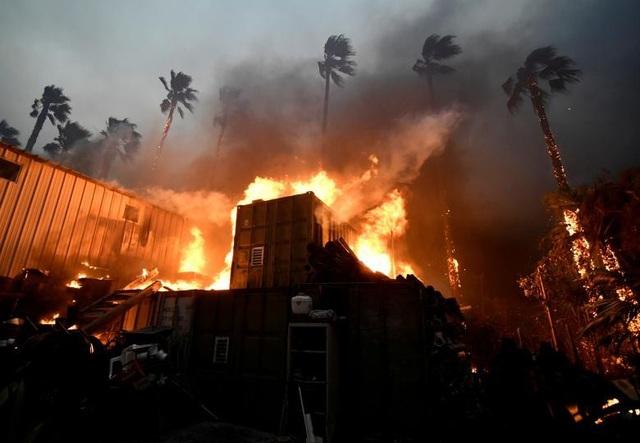 Vụ cháy kéo dài trong chưa đầy 1 tuần đã gây thiệt hại nghiêm trọng cho bang California (Ảnh: Reuters)