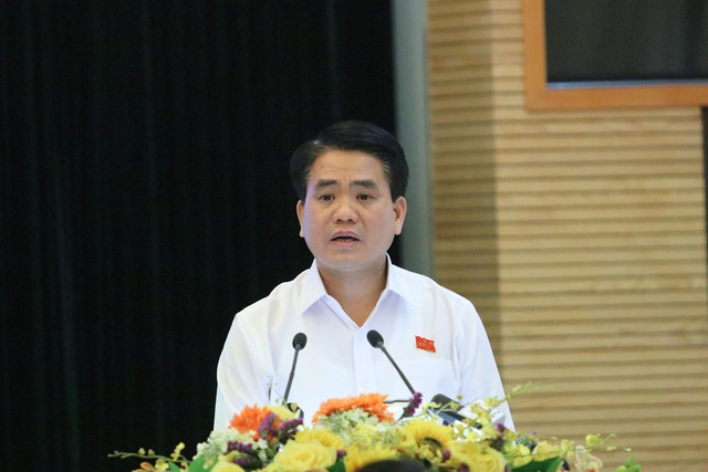 Ông Nguyễn Đức Chung - Chủ tịch UBND TP Hà Nội trả lời cử tri về vấn đề quản lý đất rừng Sóc Sơn