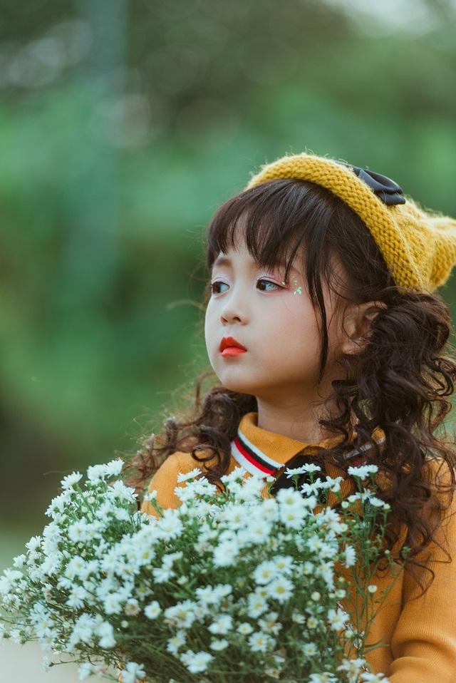 Cô bé Nguyễn Đỗ Thục Phương có biệt danh Ali (sinh năm 2013) là người mẫu và diễn viên nhí khá có tiếng tại Hà Nội.
