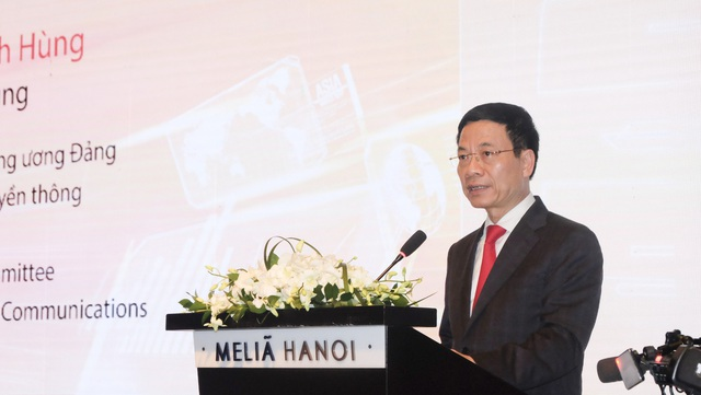 Bộ trưởng Bộ TT&TT Nguyễn Mạnh Hùng nói về bài học của 2G, 3G, 4G để triển khai 5G tại Việt Nam.