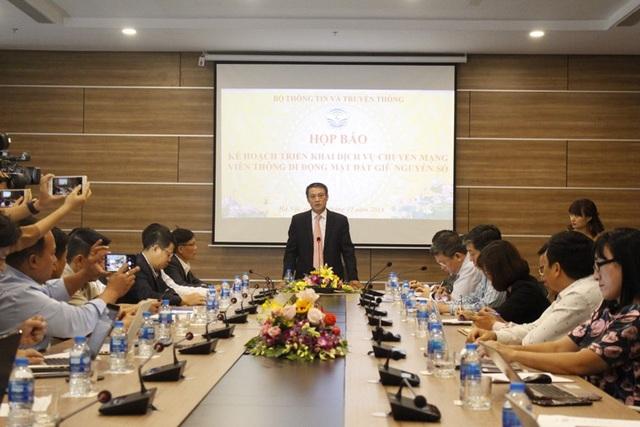Thứ trưởng Bộ TT&TT Phạm Hồng Hải chia sẻ về dịch vụ chuyển mạng giữ nguyên số.