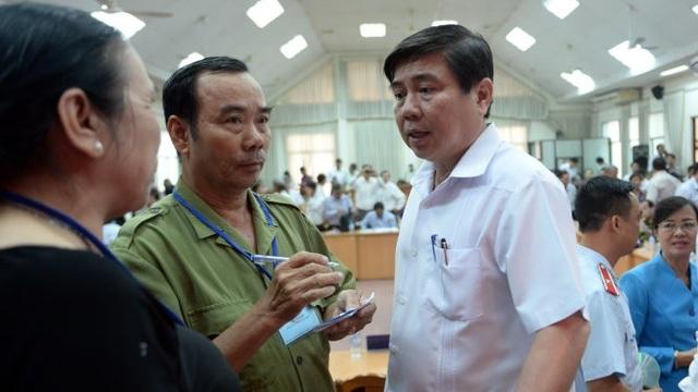Chủ tịch UBND TPHCM Nguyễn Thành Phong tiếp dân trong vụ khiếu kiện tại Thủ Thiêm