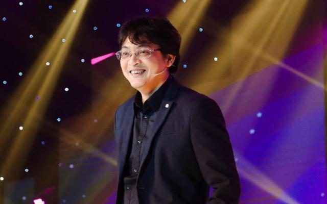 Sinh năm 1978, trước khi thành lập Công ty Yeah1 vào năm 2006, ông Nguyễn Ảnh Nhượng Tống từng là nhân viên quảng cáo, diễn viên điện ảnh, biểu diễn thời trang