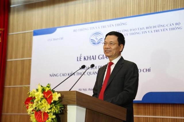 Bộ trưởng Thông tin và Truyền thông Nguyễn Mạnh Hùng