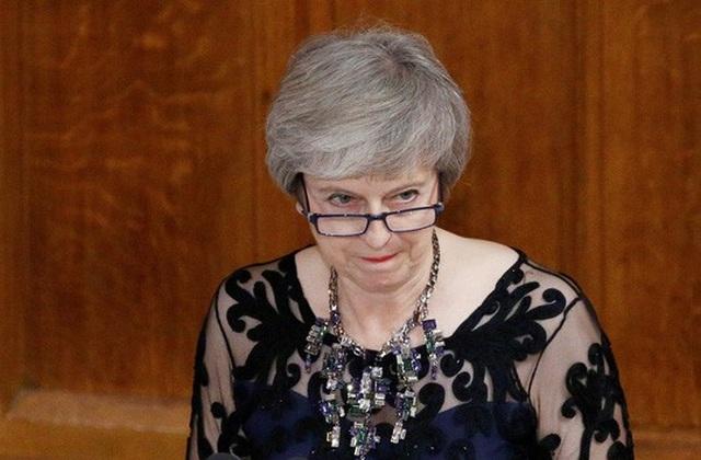 Thủ tướng Theresa May đối mặt thách thức lớn hơn ở trong nước. Ảnh: Reuters