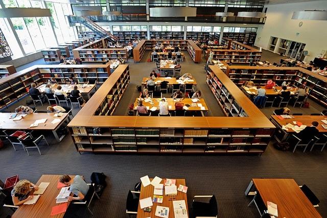 Khuôn viên và thư viện tại Đại học Saxion