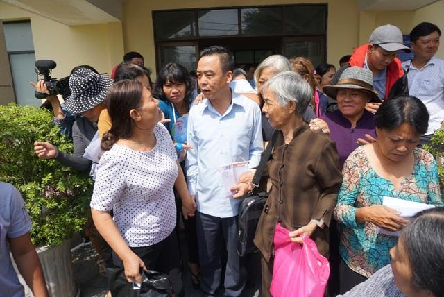 Trưởng Ban tiếp dân Trung ương Nguyễn Hồng Điệp chia sẻ cùng người dân sau buổi đối thoại