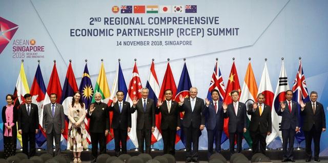 Hội nghị Cấp cao lần thứ 2 các nước tham gia đàm phán Hiệp định Đối tác kinh tế toàn diện khu vực (RCEP), gồm 10 nước thành viên ASEAN và các nước Australia, Trung Quốc, Ấn Độ, Nhật Bản, Hàn Quốc, New Zealand. (Ảnh: Reuters)