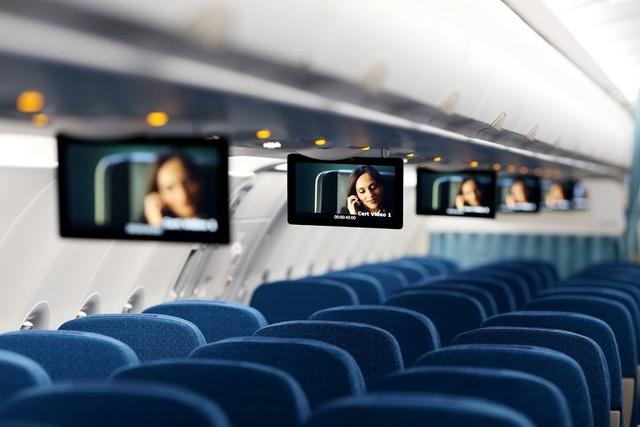 Đặc biệt đội bay của Vietnam Airlines được trang bị thêm hệ thống giải trí không dây (Wireless streaming) với các chương trình phim điện ảnh, phim truyền hình và âm nhạc tương tự tiêu chuẩn giải trí của máy bay Boeing 787/A350. Hệ thống Wireless streaming trên A321neo sẽ giúp Vietnam Airlines định nghĩa lại khái niệm giải trí trên máy bay và mang đến cho hành khách một trải nghiệm hoàn toàn mới và khác lạ ngay trên các thiết bị di động cá nhân của mình (điện thoại thông minh, máy tính bảng, máy tính xách tay).